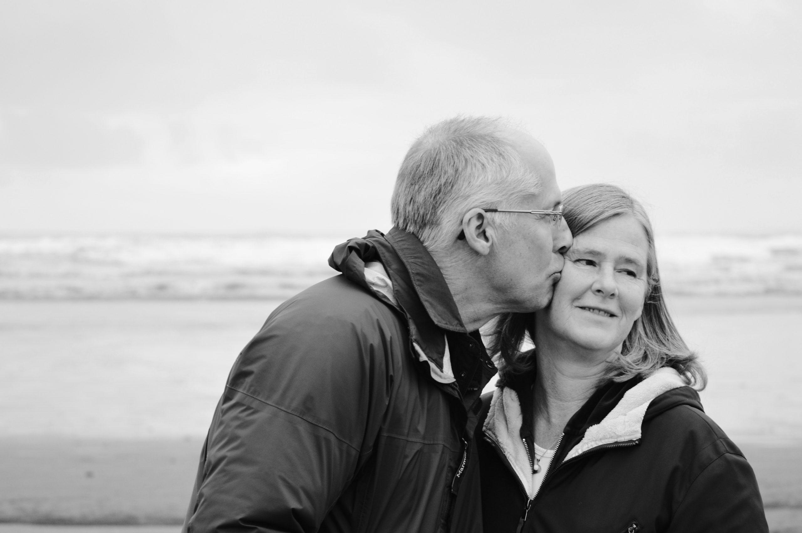 couple_grey